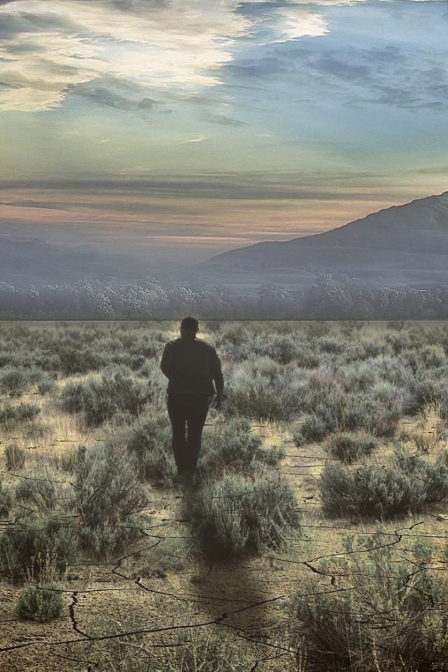 Nature___Desert_Man_is_walking_in_the_desert_082960_30.jpg